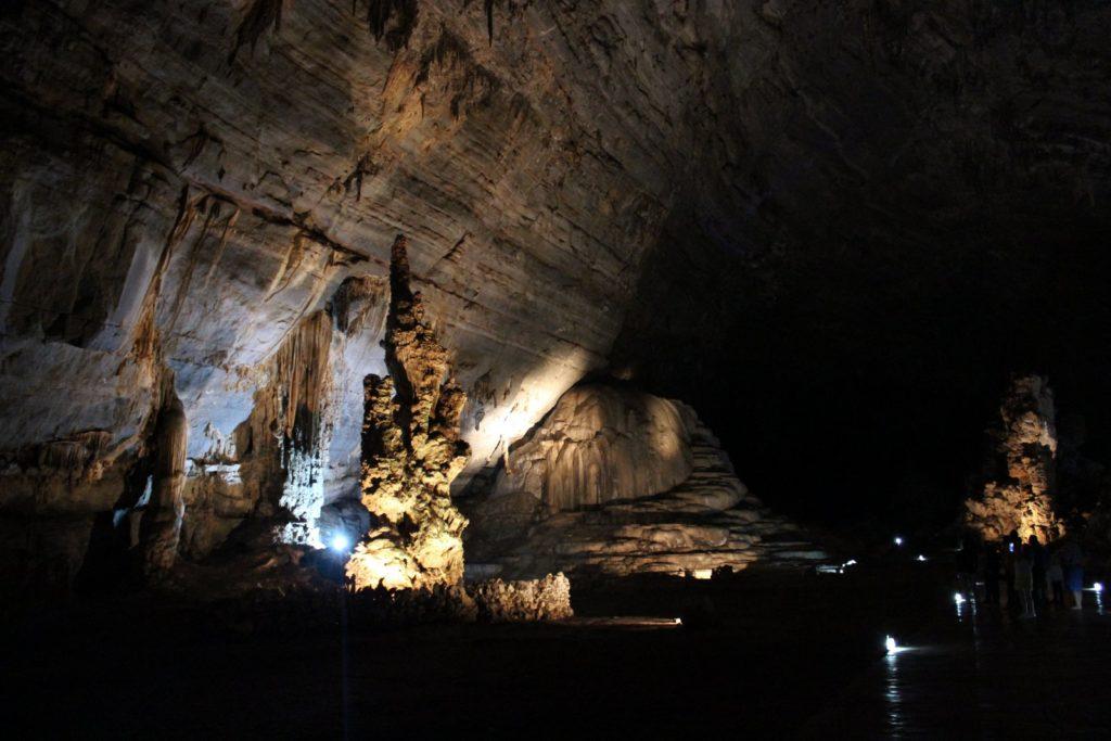 Пещеры Какауамильпа