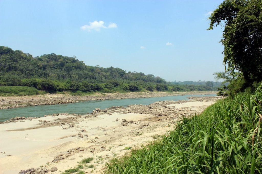 Река между Мексикой и Гватемалой