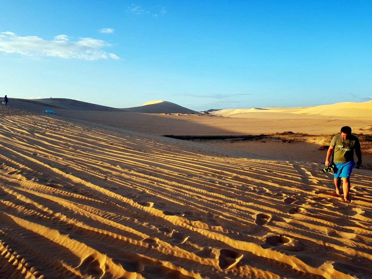 Рядом с Фантьетом есть такая вот мини пустыня с барханами. Место обязательно к посещению. Берите что-нибудь на прокат там обязательно!